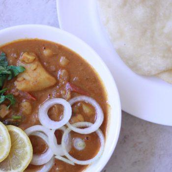 Punjabi Chole Bhature Recipe | Restaurant Style