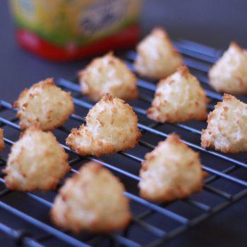 Best Coconut Macaroons Recipe (vegan and gluten free)